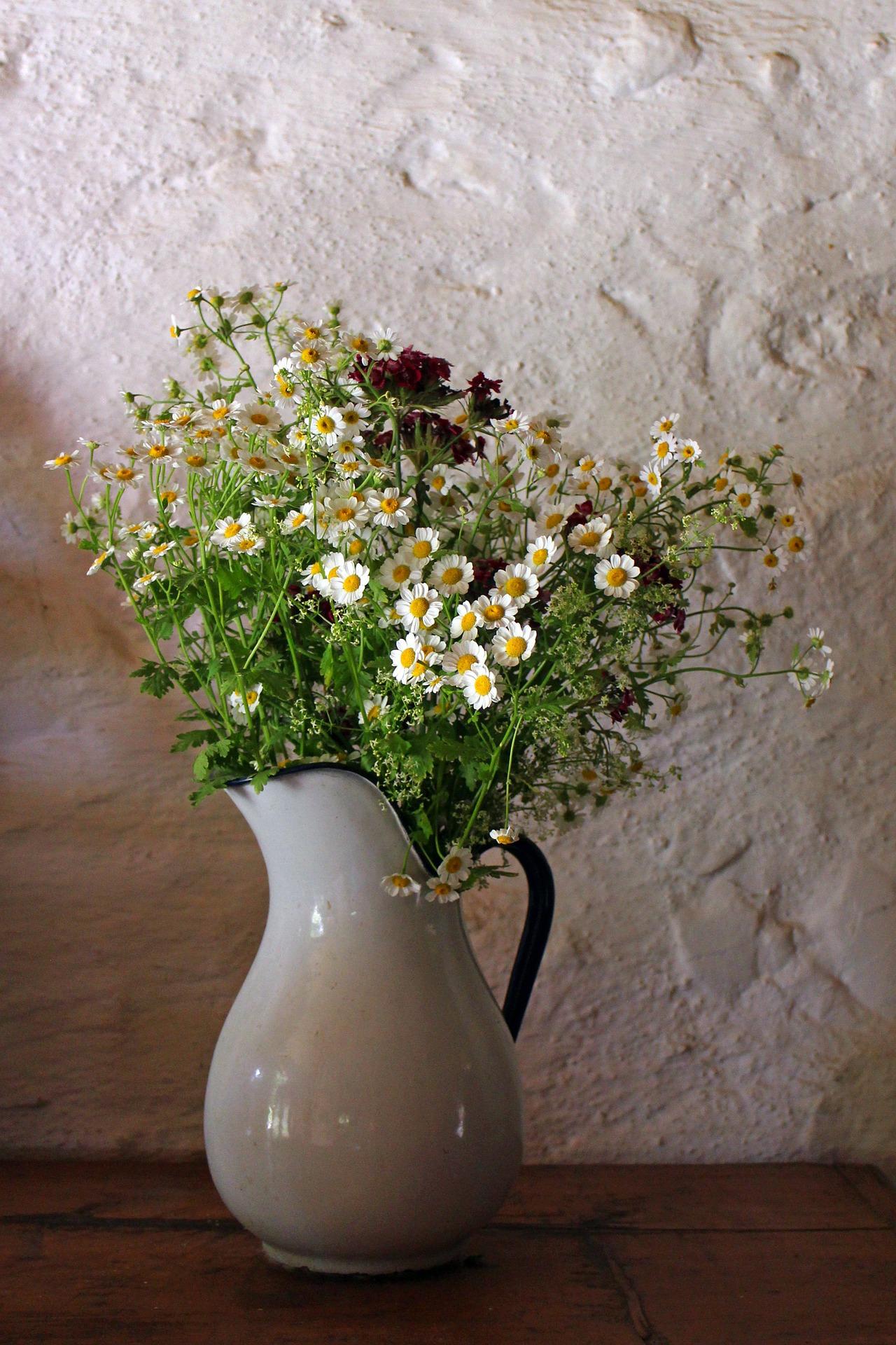 porcelain-vase-402200_1920